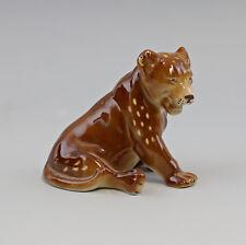 9942788 Figura de Porcelana León Leon Bebe Wagner & Apel 11x12cm