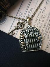 Hobbit Fairy Door & Key Necklace Fae Magic Fantasy Pendant Lord Rings Green LOR
