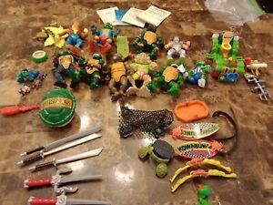 Vintage TMNT Ninja Turtles Accessory Lot *Accessories Weapons Figures*