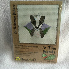 Mouseloft stitchlets CROSS STITCH KIT ~ IN THE WOODS ~ Bartolomeo badger ~ NUOVO
