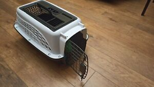 Small plastic pet carrier Transporter Airline In-cabin Aproved Perfect condition