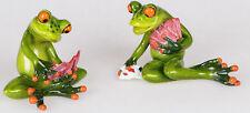 717146 Frosch Paar Kartenspieler hellgrün aus Kunststein mit witzigen Details