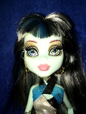 2013 Monster High Doll 13 Wishes Frankie Stein doll with clothes and earrings