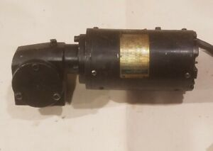 Leeson CM31P17NZ17A Right Angle AC Gear Motor M1125082.00 115/230VAC - Tested 👍