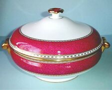 Wedgwood ULANDER Powder Ruby Covered Vegetable Bowl Dish Made in UK New