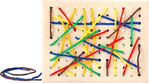 Fädelbrett aus Holz fördert Feinmotorik Schleifen binden Kinder Spielzeug Fädeln
