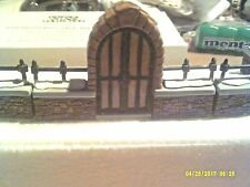 DEPT 56 HERITAGE VILLAGE ACCESSORY - CHURCHYARD GATE AND FENCE