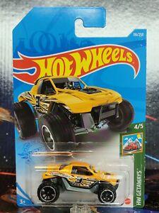 2021 Hot Wheels #116 Yellow Twinnin' 'N Winnin. Near Mint to Mint Package. NEW