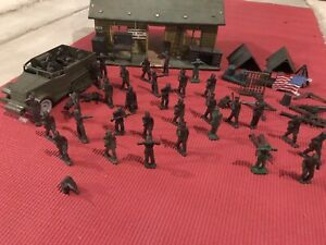 Marx 1951 Army Training Center partial Playset