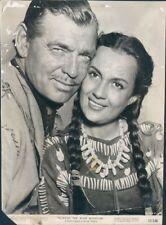 1952 Actor Clark Gable Maria Elena Marques Across The Wide Missouri Press Photo