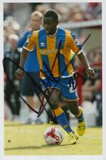 SHREWSBURY TOWN HAND SIGNED LARNELL COLE 6X4 PHOTO.
