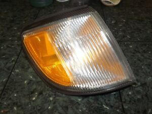 98-02 OEM Subaru Forester front right corner light lamp assembly ICHIKOH 3399 R