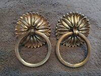 ANTIQUE PAIR OF ORNATE BRASS DRAWER/CABINET/FURNITURE PULLS