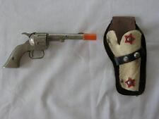 VINTAGE HUBLEY PAL MINI CAST IRON CAP GUN AND LEATHER HOLSTER/SINGLE SHOT