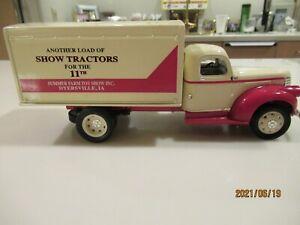 1:34 Liberty Classics by Spec Cast 1942 Chevrolet 1 1/2 ton van box bank