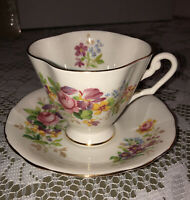 Antique Windsor China Tea Cup And Saucer Set Gold Scallop Rim Floral Design