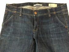 Women's GAP Limited Edition Jeans. 2 front slanted pockets, 2 back pockets.Sz 6