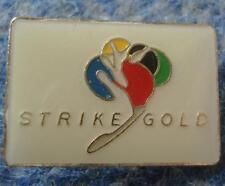 INTERNATIONAL BOWLING FEDERATION UNION STRIKE GOLD PIN BADGE