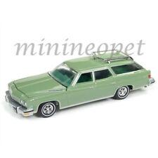 AUTOWORLD AWSP007 A 1974 BUICK ESTATE STATION WAGEN 1/64 DIECAST MODEL CAR GREEN