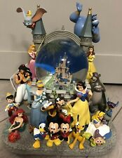 SNOW GLOBE Musical 120MM CHATEAU CHARACTERS / Castle Personnages NEW Disneyland