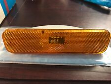 78 79 80 81 82 83 Ford Fairmont Zephyr front Side Marker Light yellow R.H. NOS