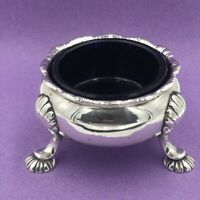 18th Century silver cauldron salt cellar London 1752 Heavy !101 grams