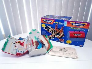 Super City Toolbox Action Playset 1988 Galoob Micro Machines w/ box instructions