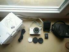 Nikon 1 J1 Digitalkamera Weiß - Guter Zustand - (Nikkor 10-30mm VR)