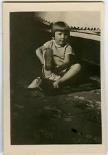 PHOTO ANCIENNE - ENFANT CHAUSSURE MODE - CHILD FASHION FUNNY - Vintage Snapshot