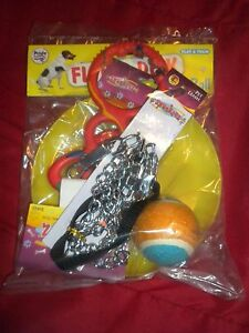 DOGS SMALL/MED/ LARGE 5 PC TOY GIFT BAG LEASH-FLYING DISK- BALL AND 2 PULL TOYS.