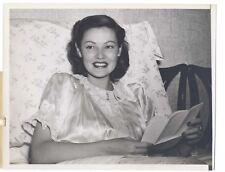 Vintage 1943 BRIGHTON HOTEL Candid 6.5x8.5 Original GENE TIERNEY Bed