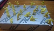 DUNKIN TITO PLASTIC  JAPAN WWII  KOREA 20 SOLDIERS LOT 30 mm VERY GOOD CONDITION
