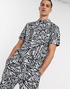 Nike SB Men's Printed Woven Skate Polo & Trousers Medium Black Grey White