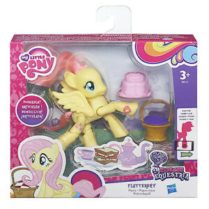"""My Little Pony Explore Equestria 3"""" Poseable Fluttershy Picnic Playset"""
