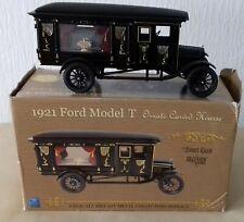 Model Auto - 1921 Ford Model T -  Leichenwagen - 1 : 18 mit orig. Karton