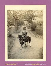 PHOTO ALBUMINÉE ALBERT GABY EN TENUE MILITAIRE SUR JOUET CHEVAL, TOY HORSE -A43