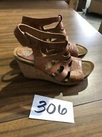 Sofft Women's brown Leather Strappy Wedge Heel Sandals Shoes Size: 8.5 M