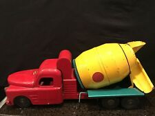 VINTAGE STRUCTO READY MIX CONCRETE CEMENT MIXER TRUCK PRESSED STEEL TOY 567-F