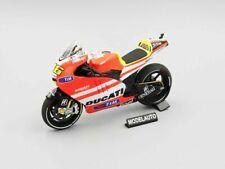 1 12 Ducati Desmosedici GP 11.1 Valentino Rossi MOTOGP 2011 MINICHAMPS 122111046