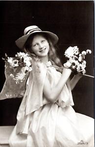 I.H Prinzessin Vintage silver print on carte postale paper Tirage argent