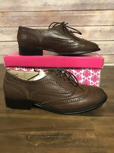 Women's Wanted Oxford Shoes Lace Up Brown Size 7 New