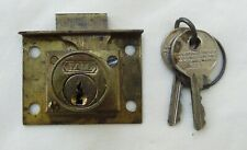 Yale chest or gaming vending lock and key