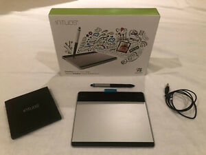 Wacom Intuos Graphics Pen and Graphics Tablet - CTH480/S