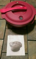 TUPERWARE CRANBERRY MICROWAVE PRESSURE COOKER 2QT/3L 7643A USED/EXCELLENT