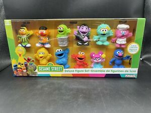 Sesame Street Deluxe Figure Set - Big Bird ELMO Cookie Monster 11 Figures NEW