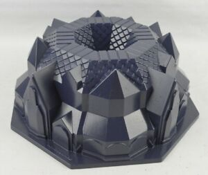 KitchenAid Tudor Style 11-Cup Bundt Pan Cast Aluminum Blue 3D Cake Mold