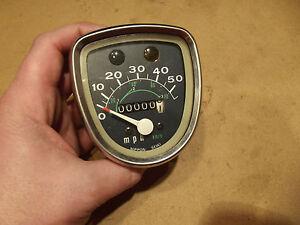 Raro Honda NOS Auténtico Reloj Velocímetro 37200-040-681 C50 C70 C90 Cub