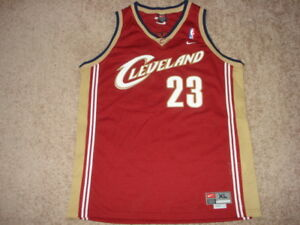 Vintage Authentic NIKE Cleveland CaVaLiErS LeBrOn JaMeS Rookie Jersey XL SEWN