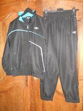 survêtement jogging UMBRO noir/bleu/blanc taille 14 ans - neuf