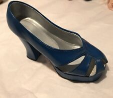 """Just the Right Shoe """"New Heights """". #25019 Retired 1999 Raine Willitts Designs"""